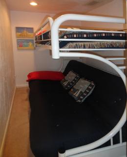 bunkie-room